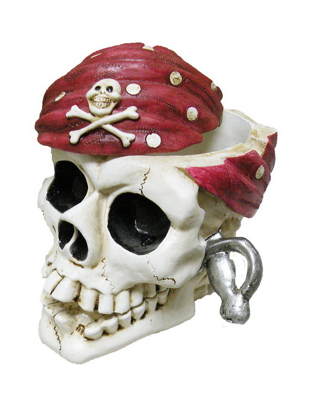 A/T POLY PIRATE SKULL * UOM: each (ea)* Minimum Order: 8